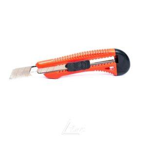 Нож INTERTOOL усилен с отл,лезвием, 18мм (НТ-0501)